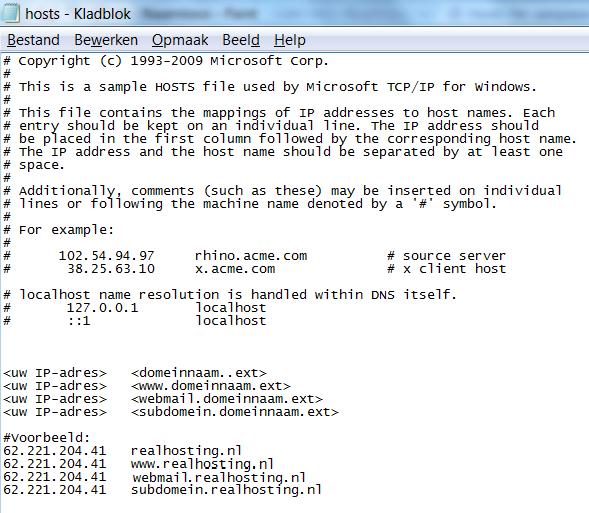 In het hosts bestand vul je het IP adres en de domeinnaam in